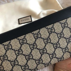 Gucci Bags - Navy & Cream Double G Gucci Envelope Wallet